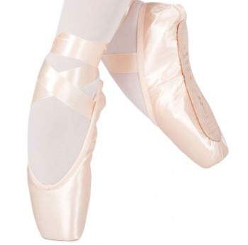 4007-SO131S_-_Bloch_Serenade_Pointe_shoe